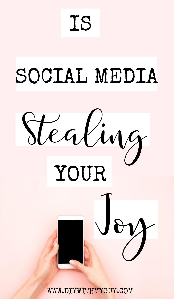 How To Take A Social Media Detox