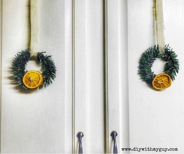 DIY Mini Wreaths For Christmas