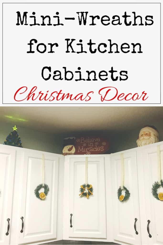 DIY Christmas mini-Wreath for kitchen cabinets