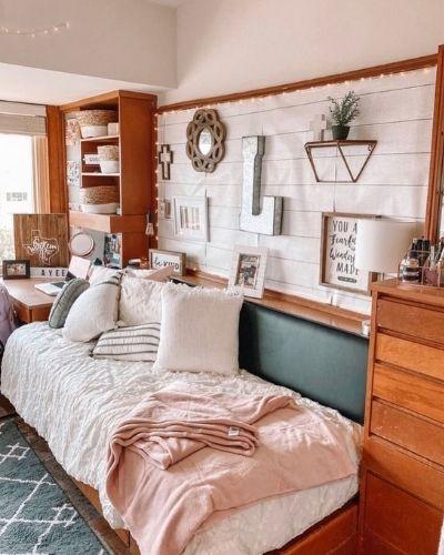 aesthetic dorm room
